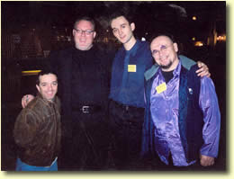 Arturo, Kevin JAMES, Bruce ADAMS et Prompto