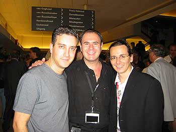 Jon Allen, Nicholas Einhorn (2ème Prix de Micromagie) et Mathieu Bich.