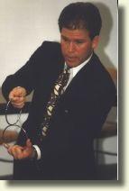 Dan FLESHMAN et ses mini anneaux chinois