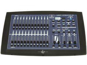 Une petite console DMX 2x12 canaux