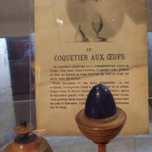 Coquetier - Exposition 100 Ans de Boites de Magie par Didier MORAX