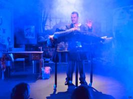 Décor du spectacle L'école des Magiciens de Sébastien MOSSIERE