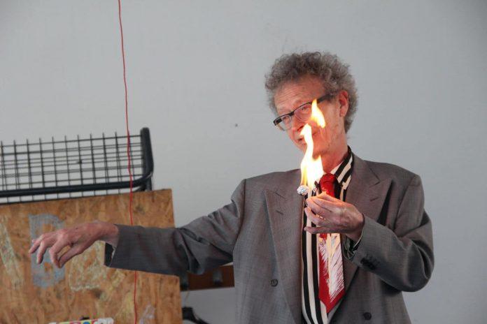 Conférence d'Alain de Moyencourt : la boulette d'alu qui s'enflamme