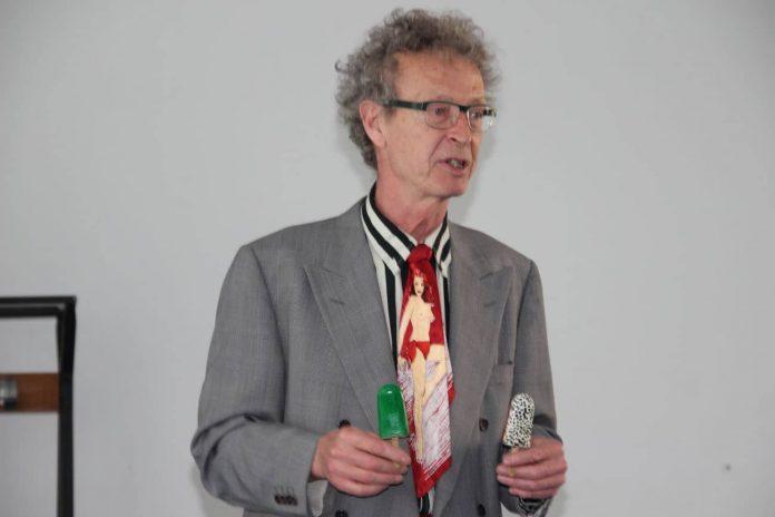 conférence d'Alain de Moyencourt : les esquimaux multicolores