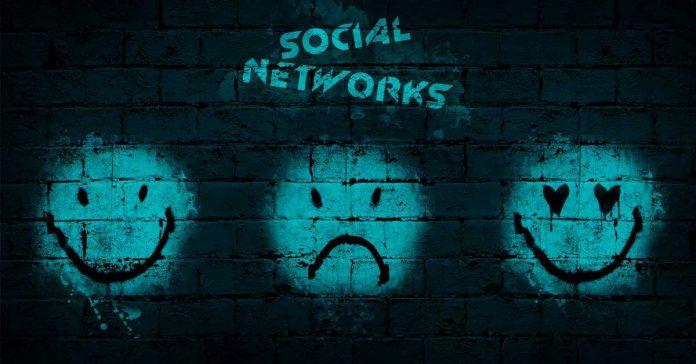 Social Networks de Sylvain VIP et Maxime SCHUCHT