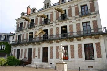 facade - La Maison de la Magie (Blois) Bicentenaire Robert-Houdin (1805-2005)