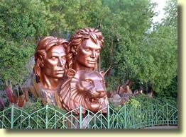 Statue S&R sur le Strip