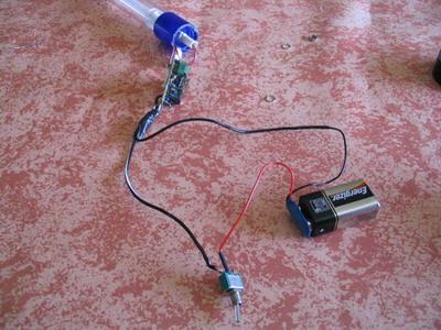montage - Fabriquer une Canne Volante Lumineuse