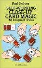 Self WorkingClose Up - Livres de magie des Cartes en anglais