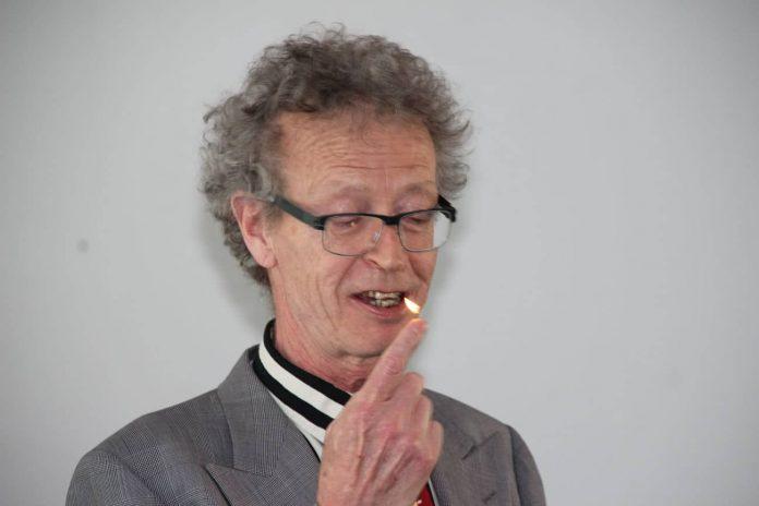 Conférence d'Alain de Moyencourt : la flamme au bout du doigt