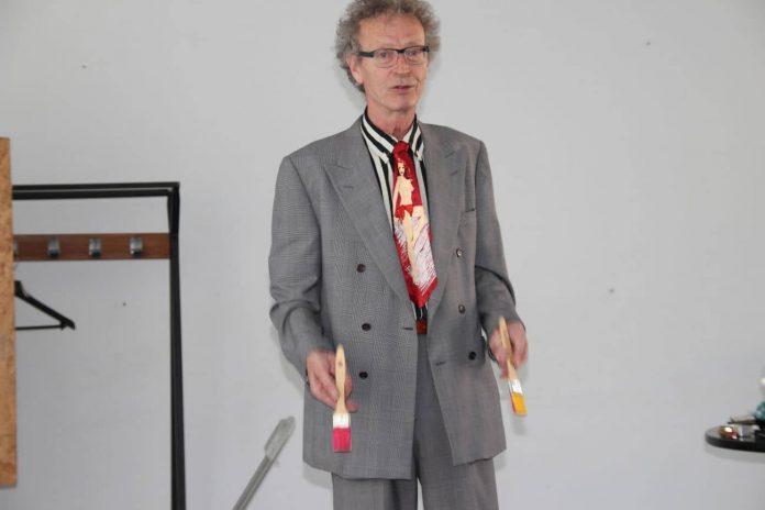 conférence d'Alain de Moyencourt : les pinceaux multicolores