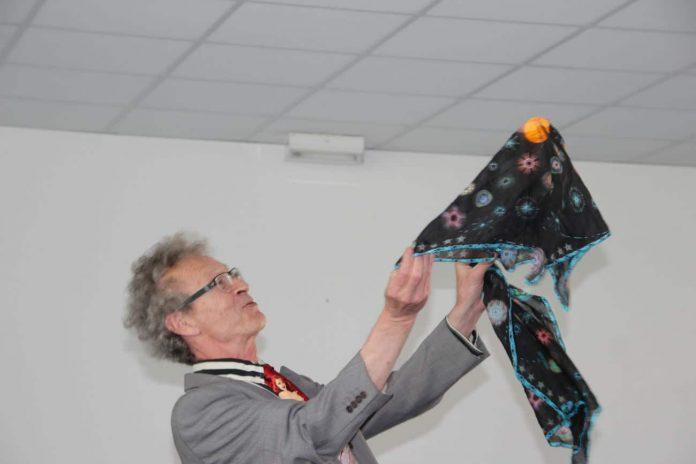 conférence d'Alain de Moyencourt : Boule Zombie