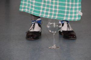 conférence d'Alain de Moyencourt : apparition d'eau dans un verre vide