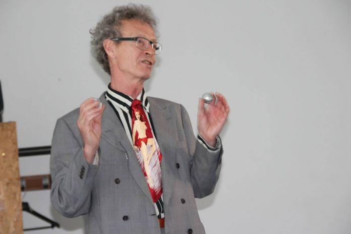 """conférence d'Alain de Moyencourt : les boules Excelsior """"maison"""""""