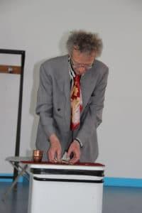 conférence d'Alain de Moyencourt : apparition d'argent dans le gobelet