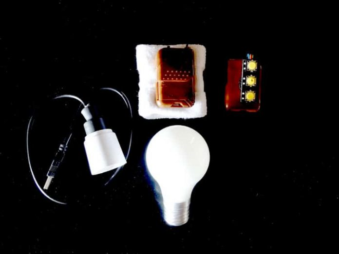 Darklight Magic Light Bulb de Marc Antoine